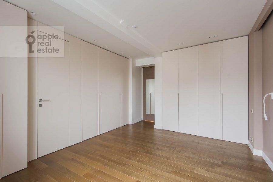 Bedroom of the 5-room apartment at Bol'shoy Patriarshiy pereulok 8