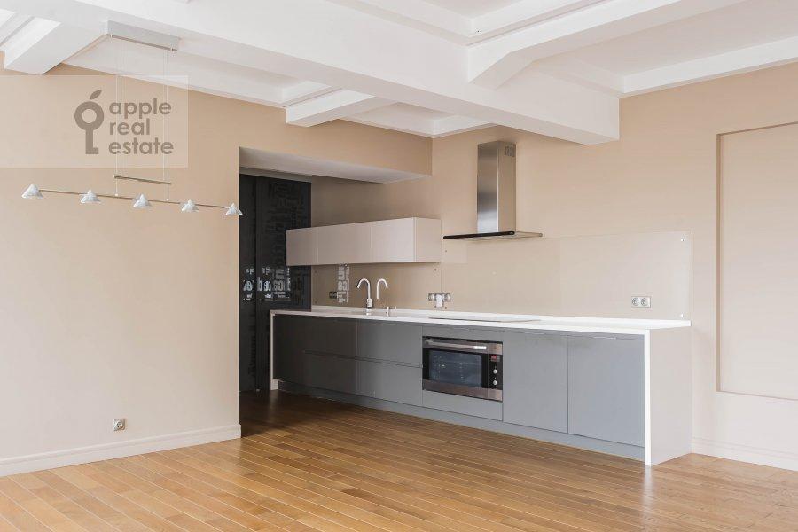 Kitchen of the 5-room apartment at Bol'shoy Patriarshiy pereulok 8