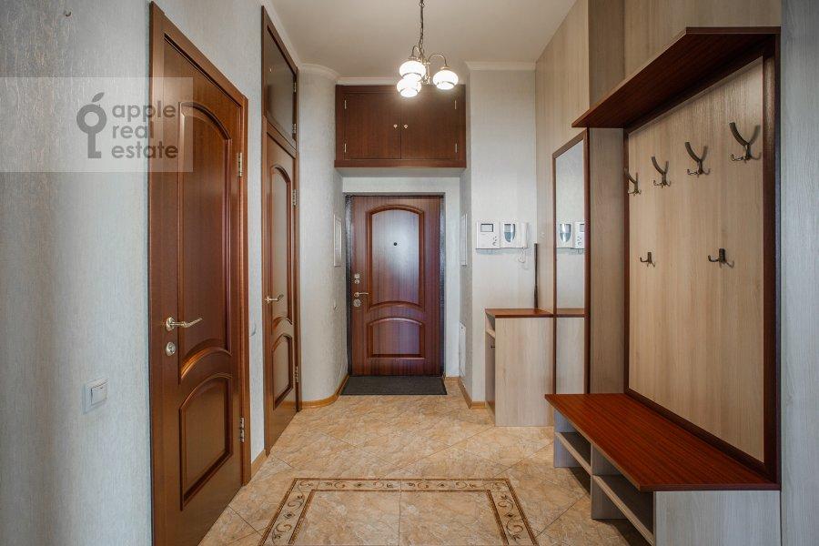 Corridor of the 3-room apartment at Aviatsionnaya ul. 77k5