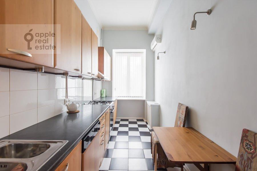 Кухня в 4-комнатной квартире по адресу Тверская ул. 27с2