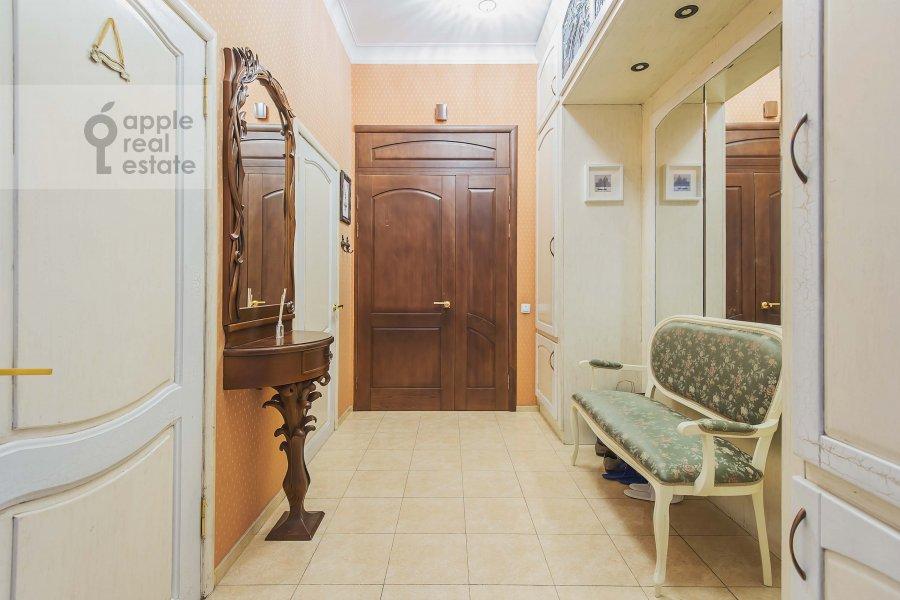 Corridor of the 4-room apartment at Arbat ul. 43
