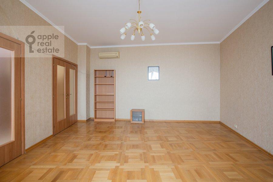 Living room of the 4-room apartment at Petrovsko-Razumovskaya alleya 10k2