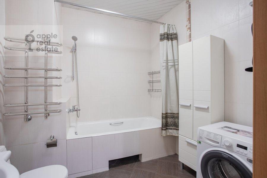 Bathroom of the 4-room apartment at Petrovsko-Razumovskaya alleya 10k2