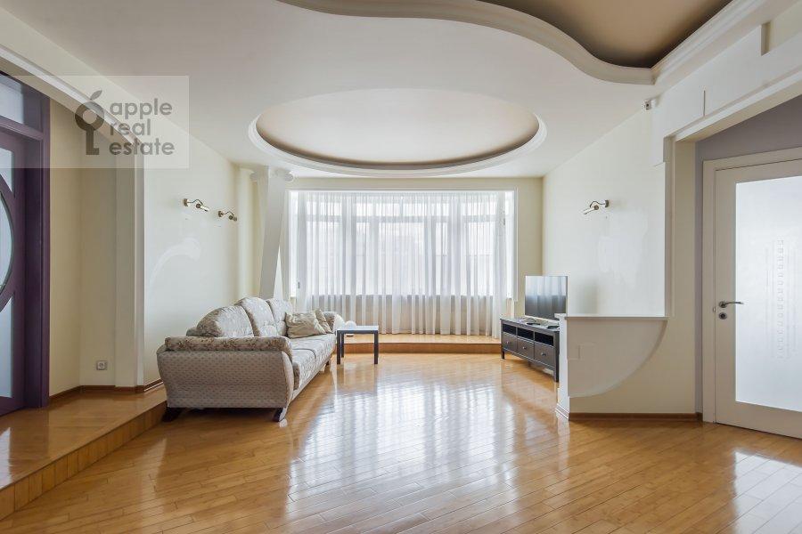 Living room of the 6-room apartment at Tverskaya-Yamskaya 3-ya ul. 44