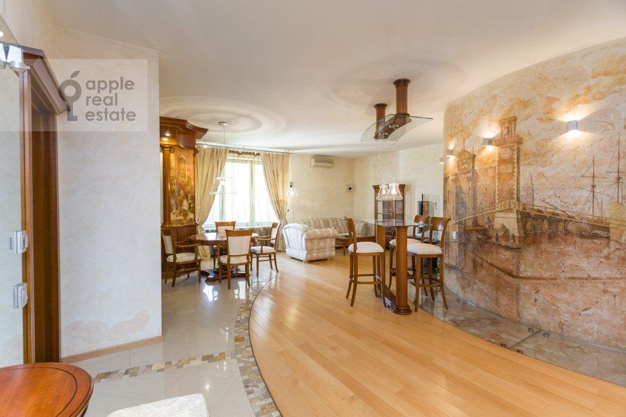 Living room of the 3-room apartment at Serpukhovskiy per. 7k1