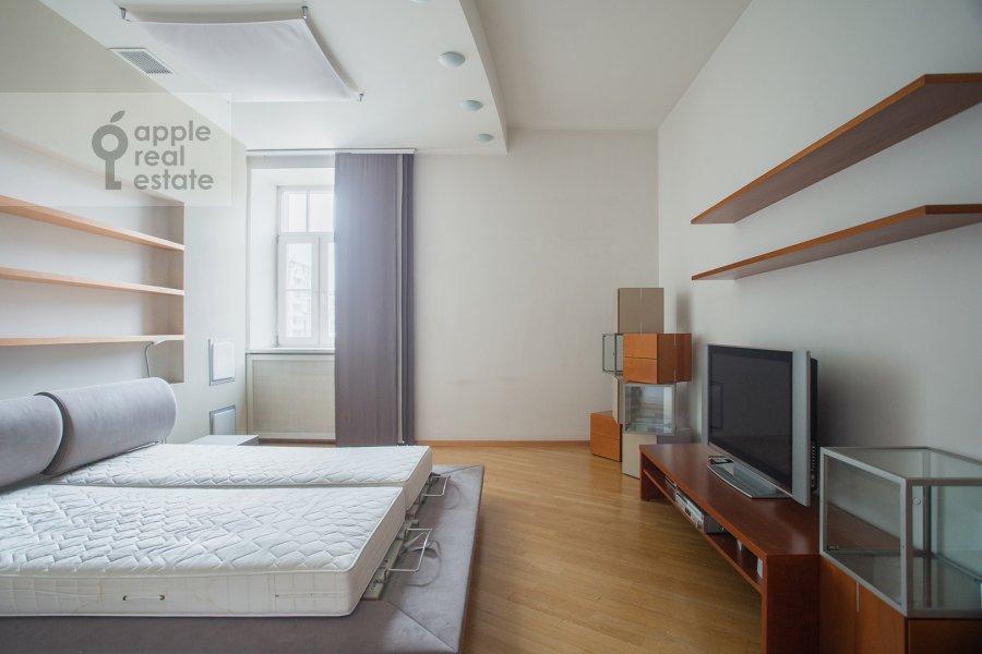 Спальня в 4-комнатной квартире по адресу Мансуровский пер. 5