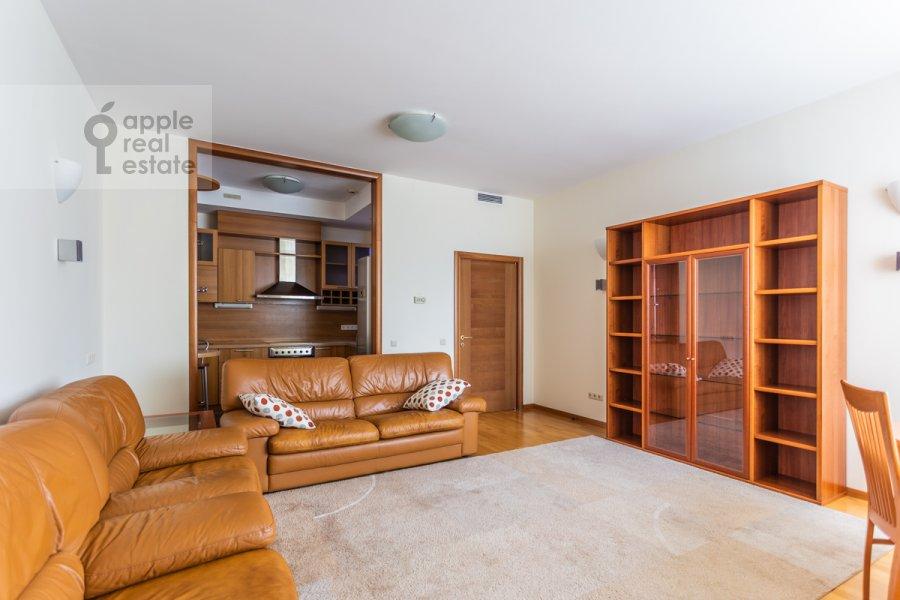 Living room of the 2-room apartment at Smolenskiy 1-y per. 17