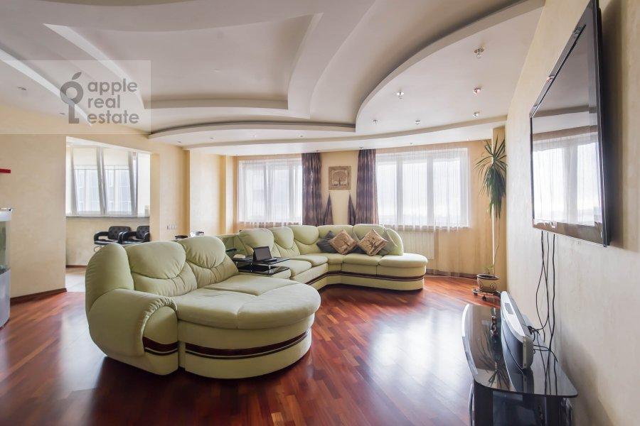 Гостиная в 3-комнатной квартире по адресу Ходынский бульвар 5к2