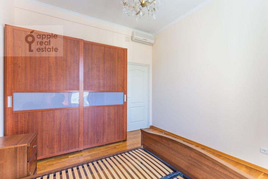 Bedroom of the 4-room apartment at Krivoarbatskiy per. 3