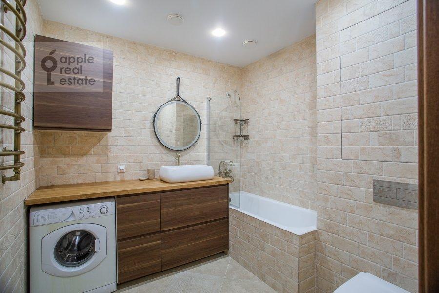 Bathroom of the 2-room apartment at Tverskaya ul. 6s1