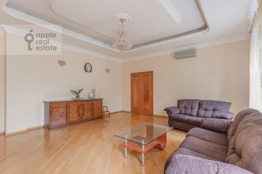 Гостиная в 4-комнатной квартире по адресу Пятницкая улица 62с7
