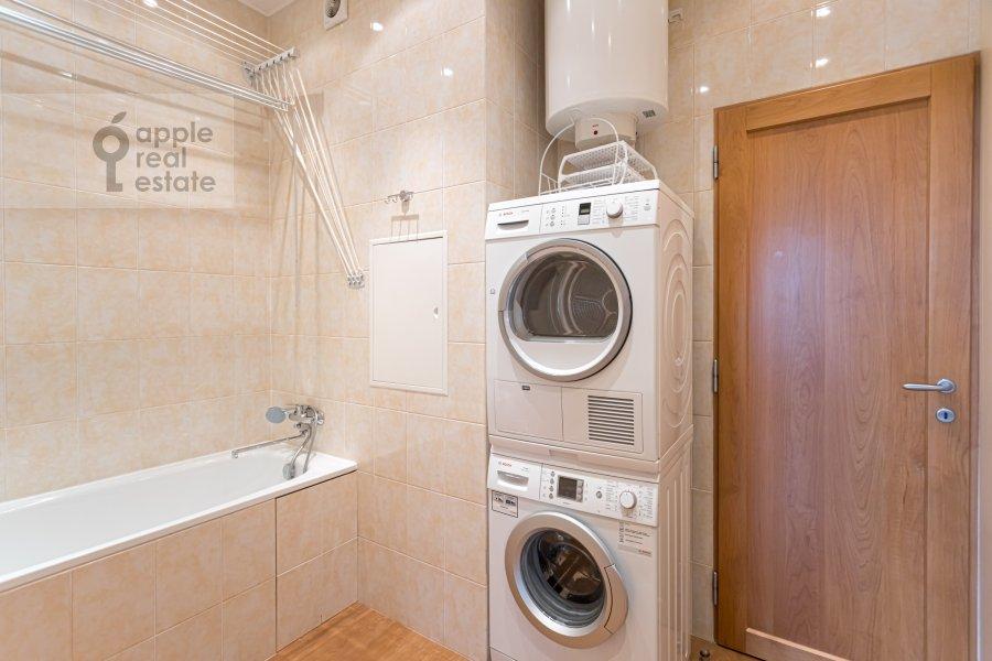 Гардеробная комната / Постирочная комната / Кладовая комната в 4-комнатной квартире по адресу Ленинский  просп. 126