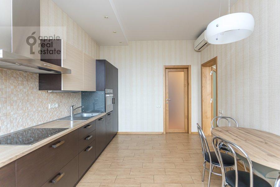 Кухня в 4-комнатной квартире по адресу Ленинский  просп. 126