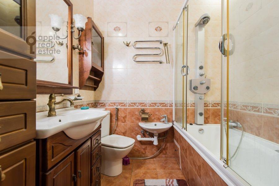 Bathroom of the 3-room apartment at Leninskiy pr-t. 11st1