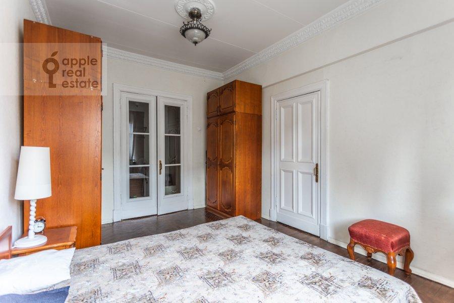 Спальня в 2-комнатной квартире по адресу Новинский бульв. 18с1