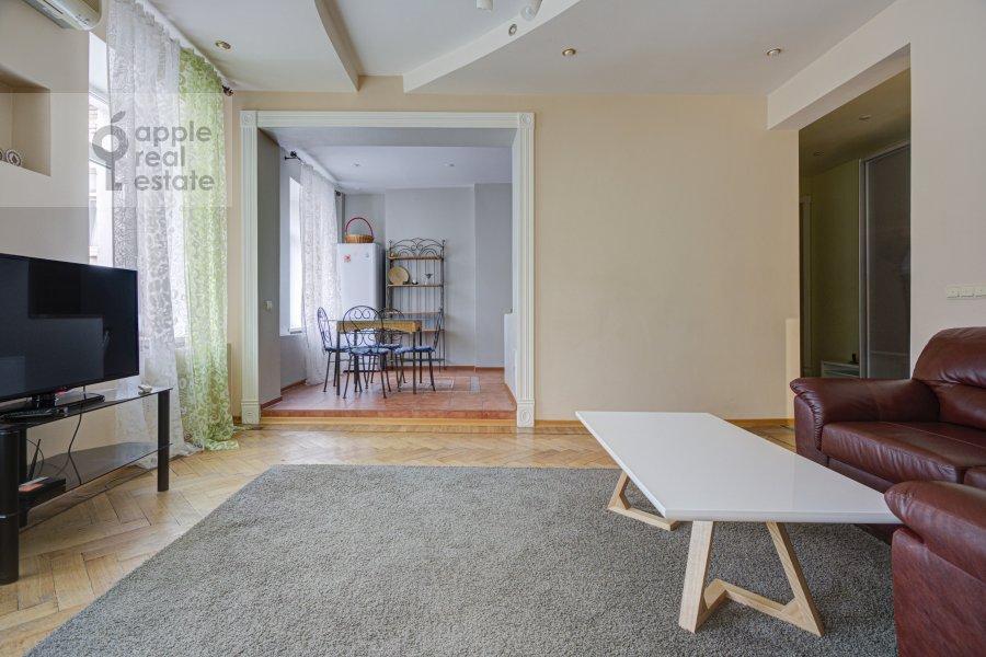 Гостиная в 2-комнатной квартире по адресу Строченовский Большой пер. 4