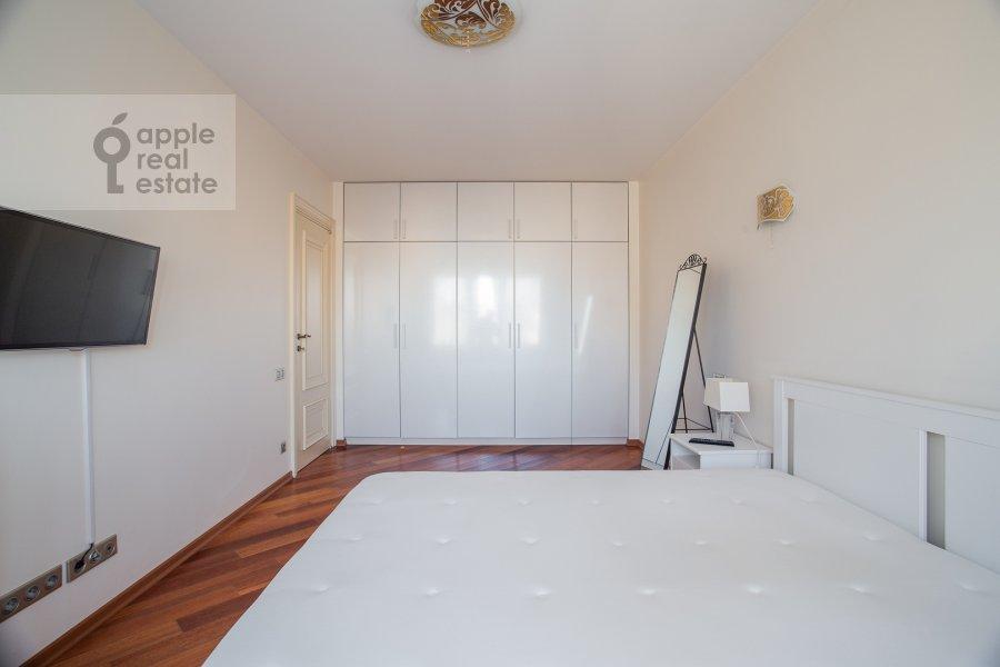 Спальня в 3-комнатной квартире по адресу Бронная Большая ул. 2/6