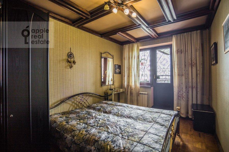 Bedroom of the 2-room apartment at Vernadskogo prosp. 89