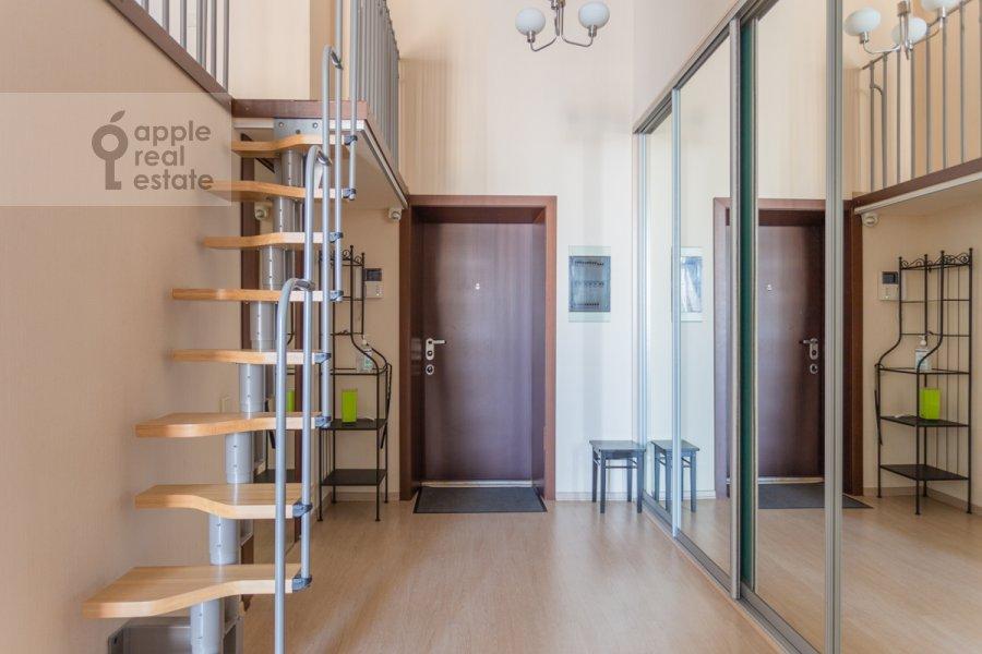 Corridor of the 3-room apartment at Shabolovka ul. 23k1