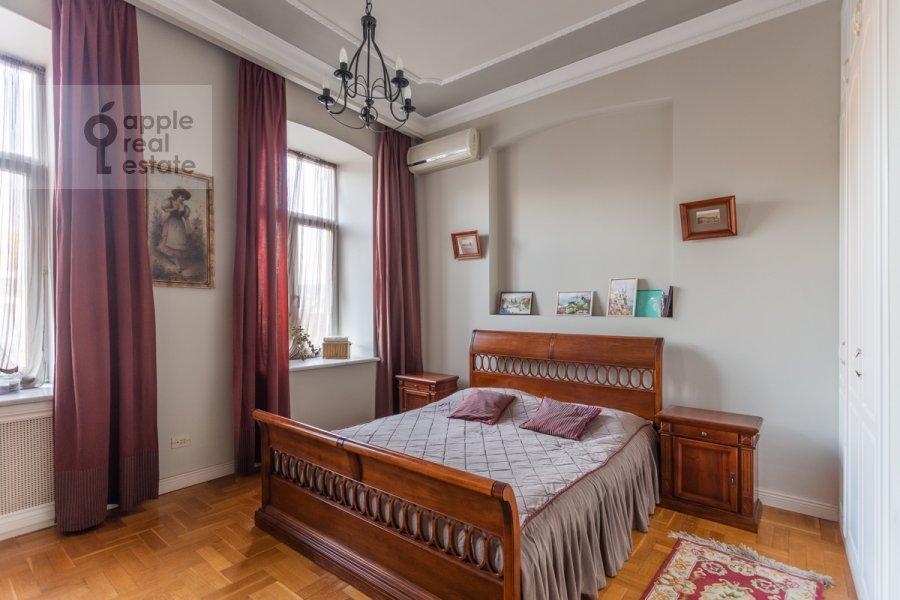 Bedroom of the 4-room apartment at Vsevolozhskiy per. 3