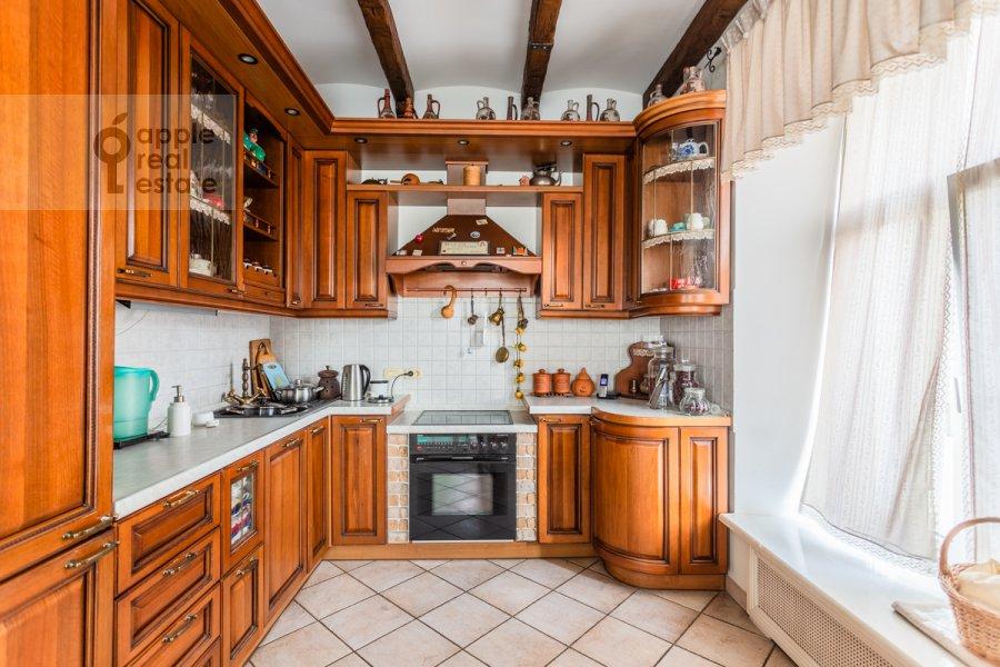 Kitchen of the 4-room apartment at Vsevolozhskiy per. 3