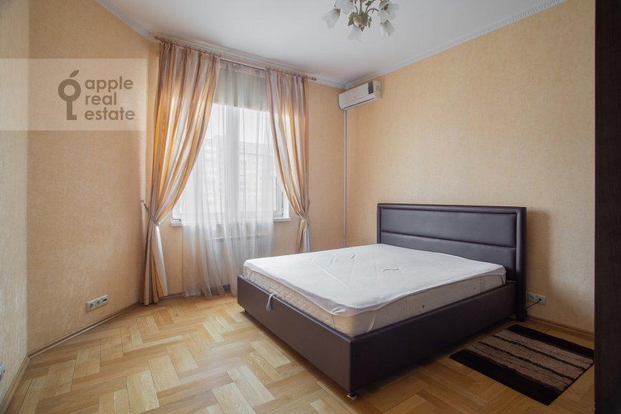 Спальня в 4-комнатной квартире по адресу Долгоруковская ул. 6