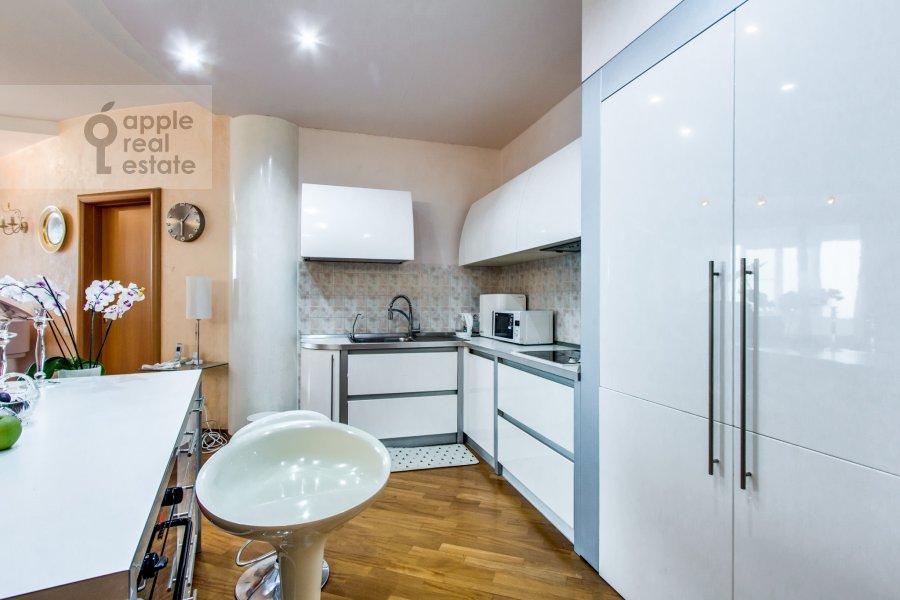 Кухня в 4-комнатной квартире по адресу Можайское шоссе 2