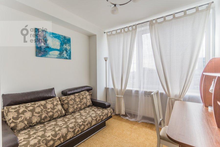 Children's room / Cabinet of the 3-room apartment at Novyy Arbat ul. 26