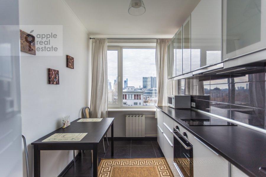 Kitchen of the 3-room apartment at Novyy Arbat ul. 26