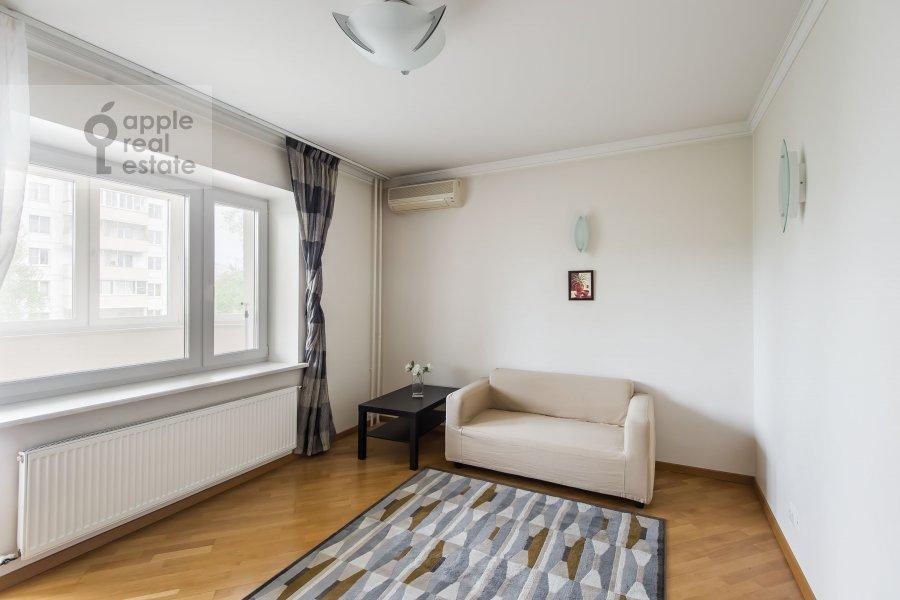 Детская комната / Кабинет в 6-комнатной квартире по адресу Немчинова 1/25