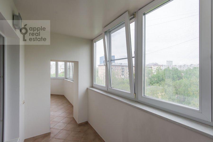 Балкон / Терраса / Лоджия в 6-комнатной квартире по адресу Немчинова 1/25