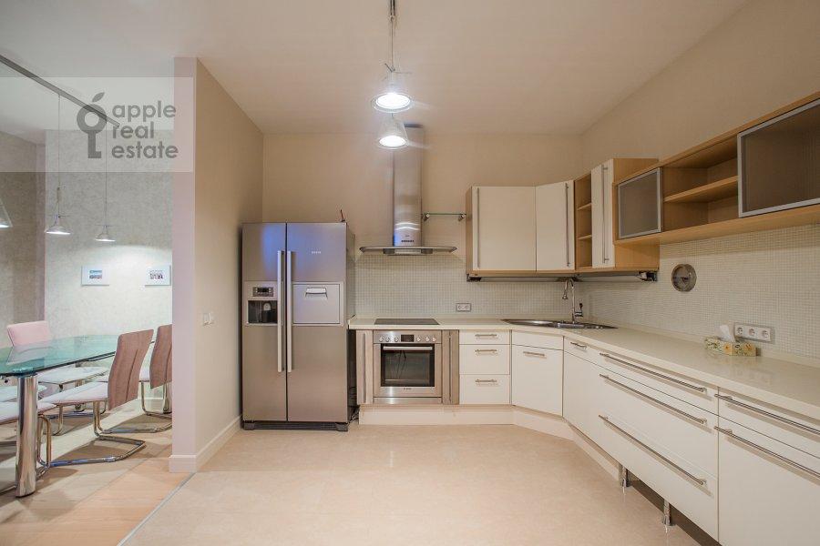 Кухня в 4-комнатной квартире по адресу Звенигородская ул. 11