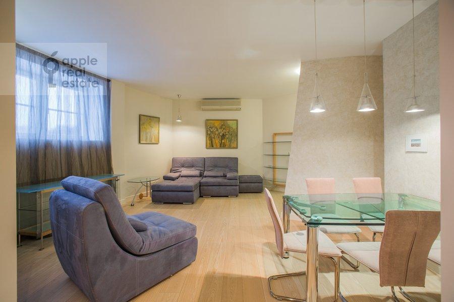 Гостиная в 4-комнатной квартире по адресу Звенигородская ул. 11