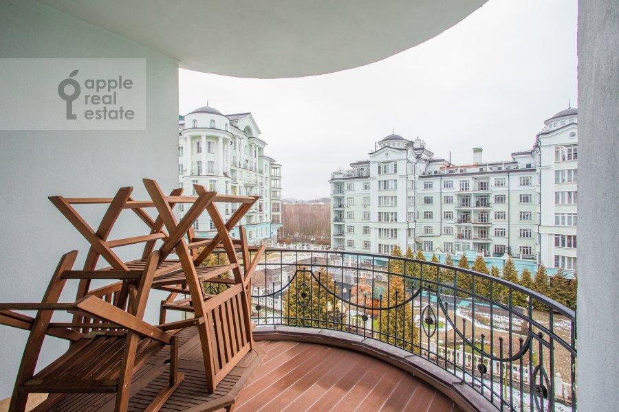 Балкон / Терраса / Лоджия в 6-комнатной квартире по адресу Береговая ул. 4к3