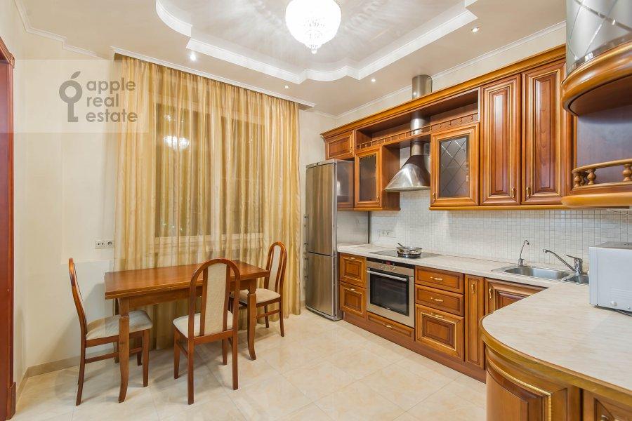 Кухня в 3-комнатной квартире по адресу Маршала Тимошенко ул. 17к2