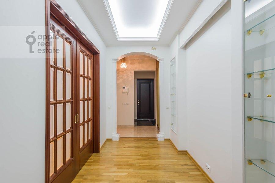 Коридор в 3-комнатной квартире по адресу Маршала Тимошенко ул. 17к2