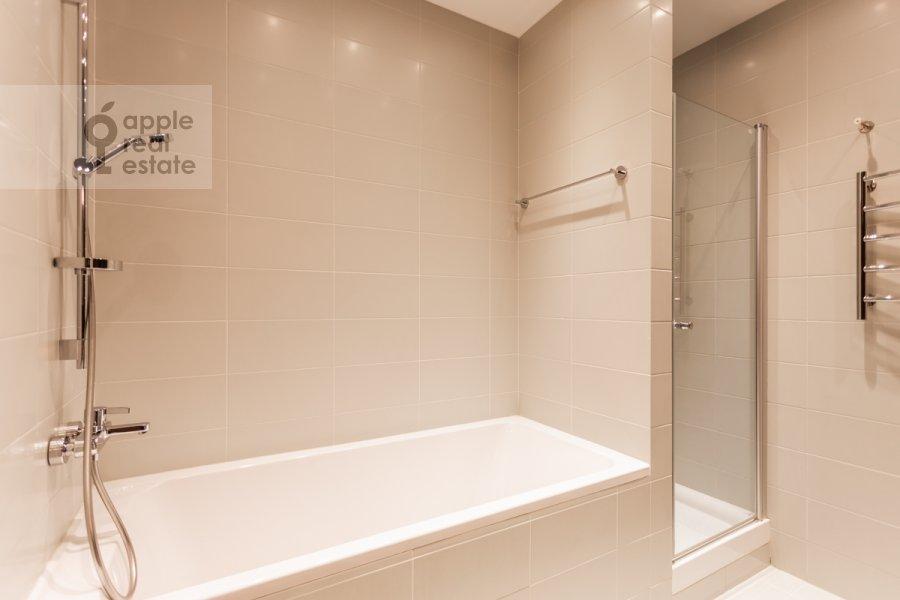 Санузел в 3-комнатной квартире по адресу Ленинский пр-т. 92к1