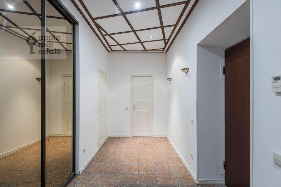 Corridor of the 5-room apartment at Afanas'evskiy Bol'shoy per. 41