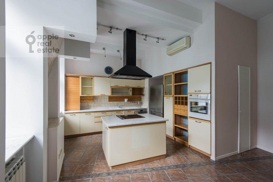 Kitchen of the 5-room apartment at Afanas'evskiy Bol'shoy per. 41