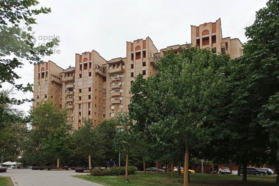 Фото дома 3-комнатной квартиры по адресу Андроньевская Большая ул. 25/33