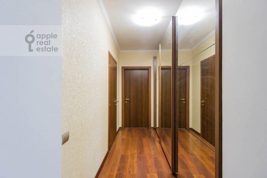 Коридор в 3-комнатной квартире по адресу Андроньевская Большая ул. 25/33
