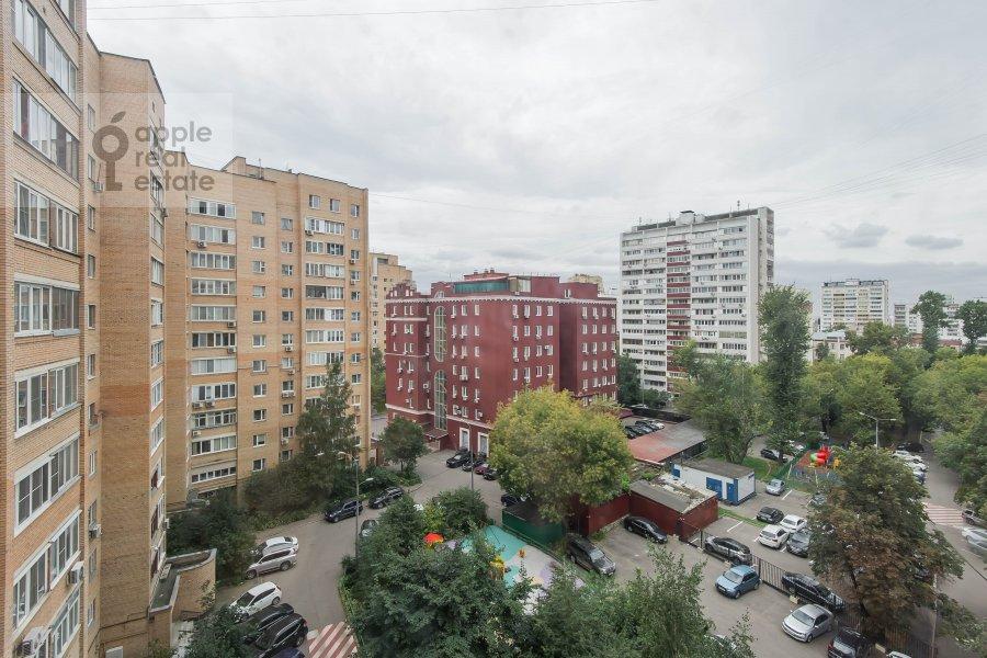 Вид из окна в 3-комнатной квартире по адресу Андроньевская Большая ул. 25/33