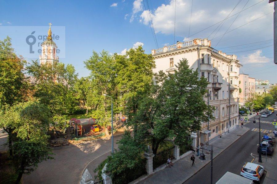 Вид из окна в 5-комнатной квартире по адресу Кривоколенный пер. 14