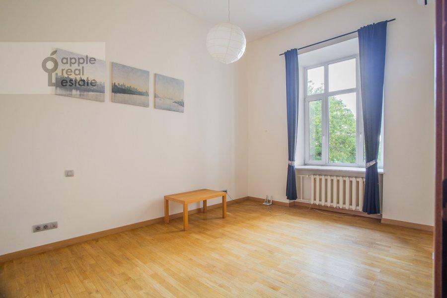 Детская комната / Кабинет в 5-комнатной квартире по адресу Кривоколенный пер. 14