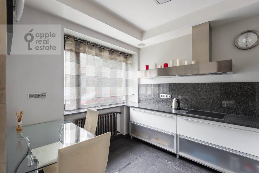 Кухня в 1-комнатной квартире по адресу Леонтьевский пер. 15