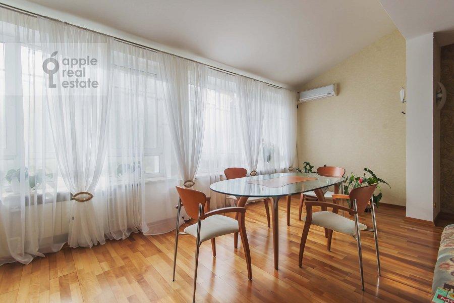 Гостиная в 5-комнатной квартире по адресу Маршала Василевского ул. 13к3