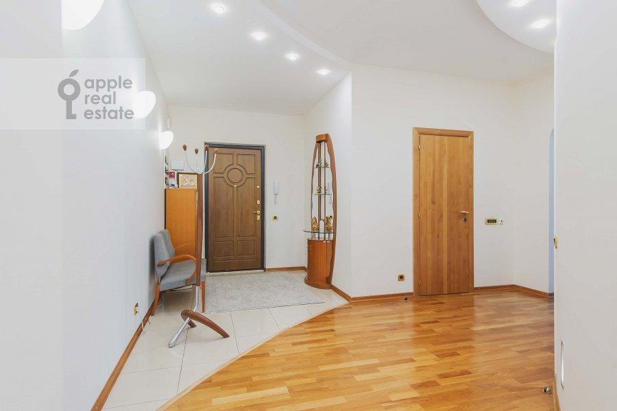 Коридор в 5-комнатной квартире по адресу Маршала Василевского ул. 13к3