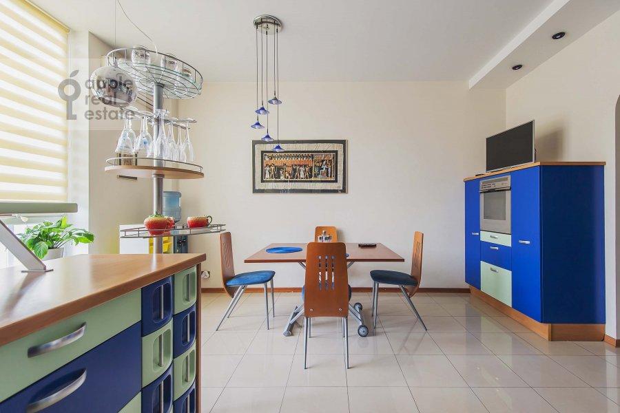Кухня в 5-комнатной квартире по адресу Маршала Василевского ул. 13к3