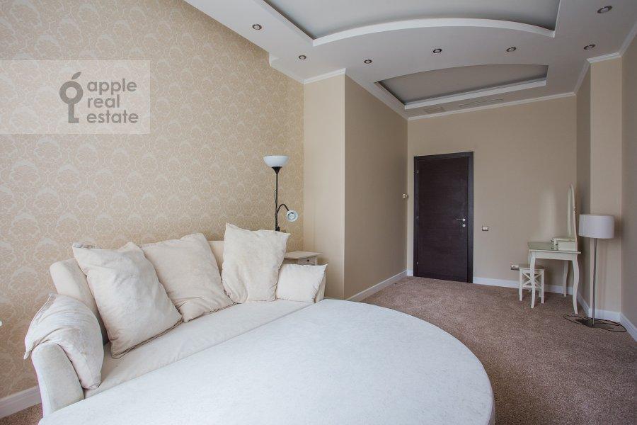 Спальня в 4-комнатной квартире по адресу Новопесковский Малый пер. 8