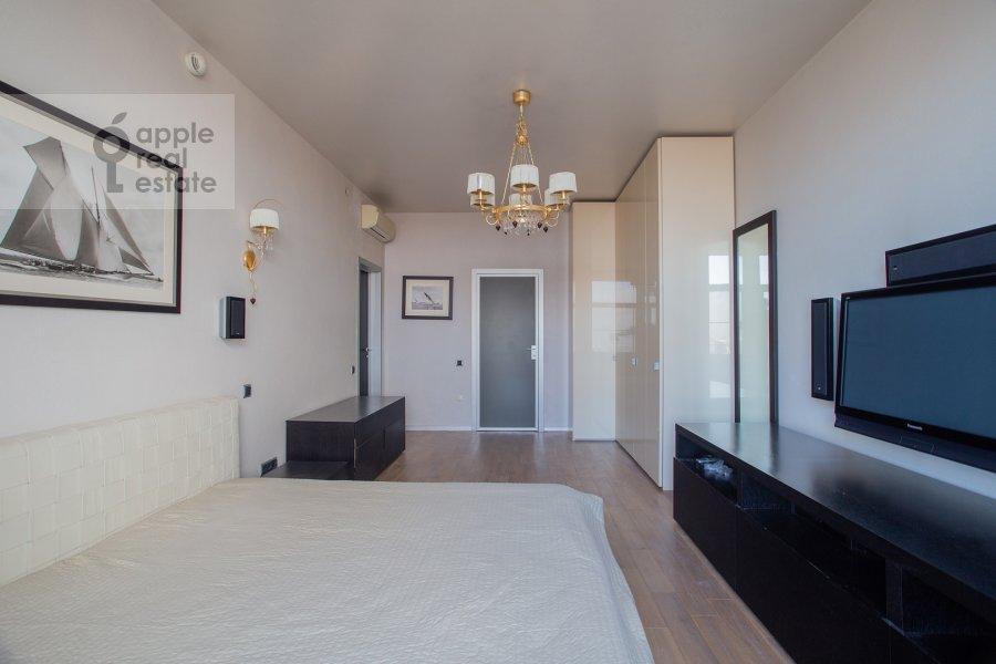 Спальня в 4-комнатной квартире по адресу Чапаевский пер. 3